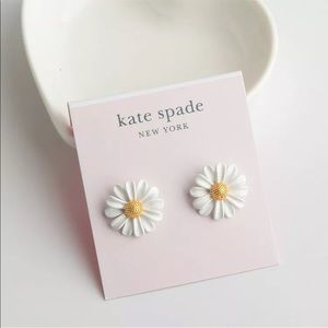 NWT Kate Spade Daisy Into the Bloom Stud Earrings